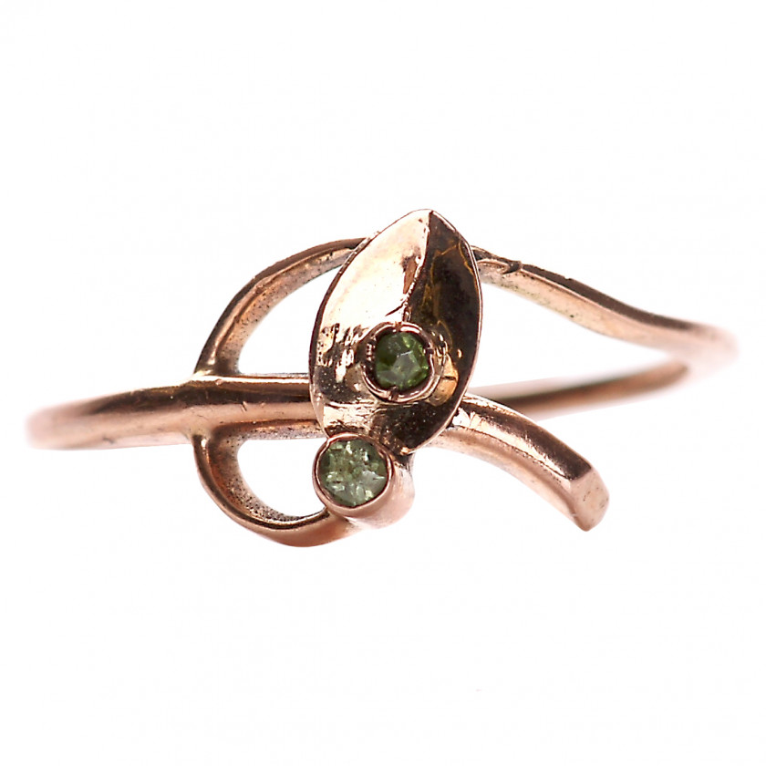 Gold ring with demantoids